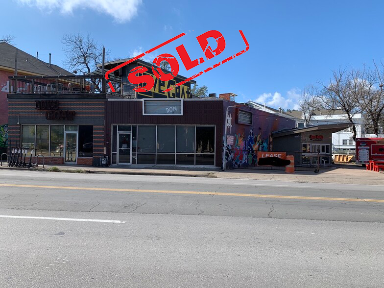 1,488 SF Retail on the north drag of campus.