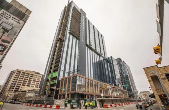 奥斯汀市中心两栋新酒店即将开业,酒店行业逐渐复苏